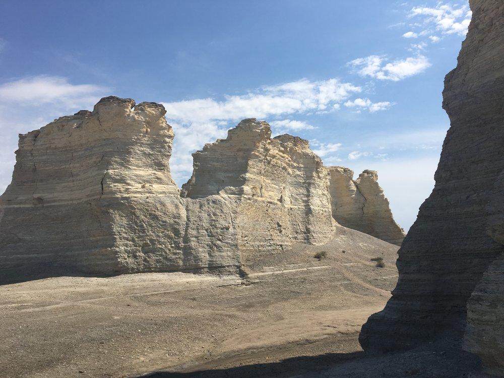 Monument Rocks 03.JPG