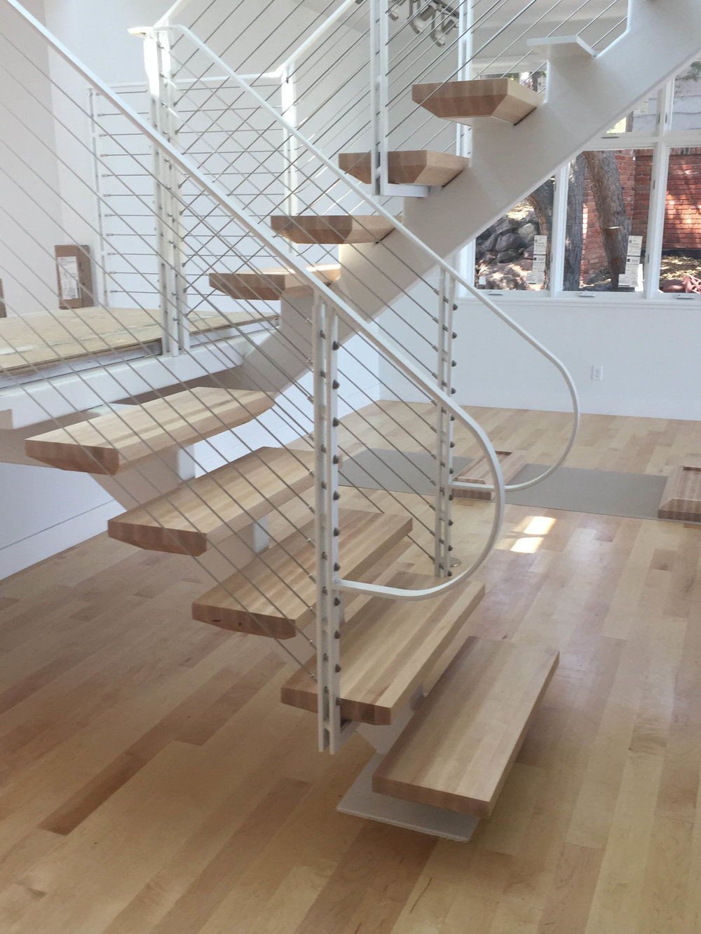 singlesteel stringer stair with wood treads.jpg