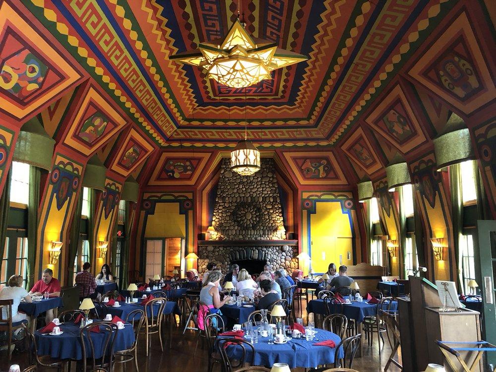 Naniboujou Lodge Dining Room interior