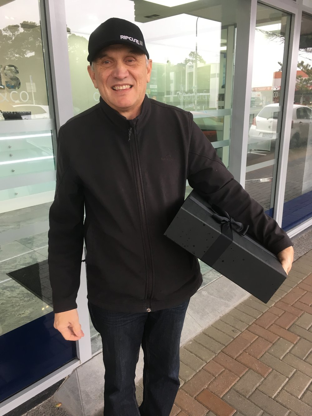 Andre referred one of his friends who had a property in Albany. We sold it and got a great result. Andre then received a brand new iPad with a bunch of treats!