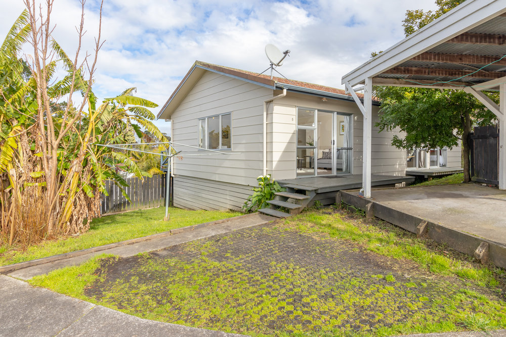 Massey$579,000 - 3 Bedrooms1 Bathrooms1 Carport