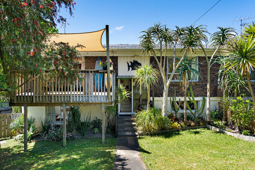TORBAYAuction - 4 Bedrooms1 BathroomsOpen Homes: Sat/Sun 1:30 - 2:00