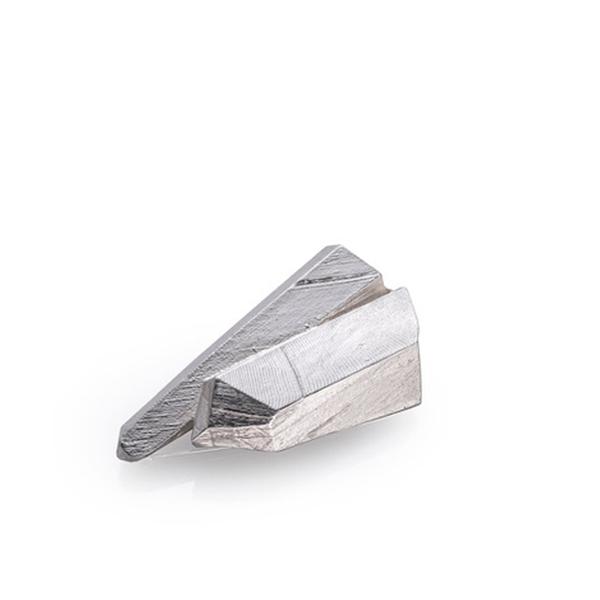 SHUK_0004_bitting quartz.jpg