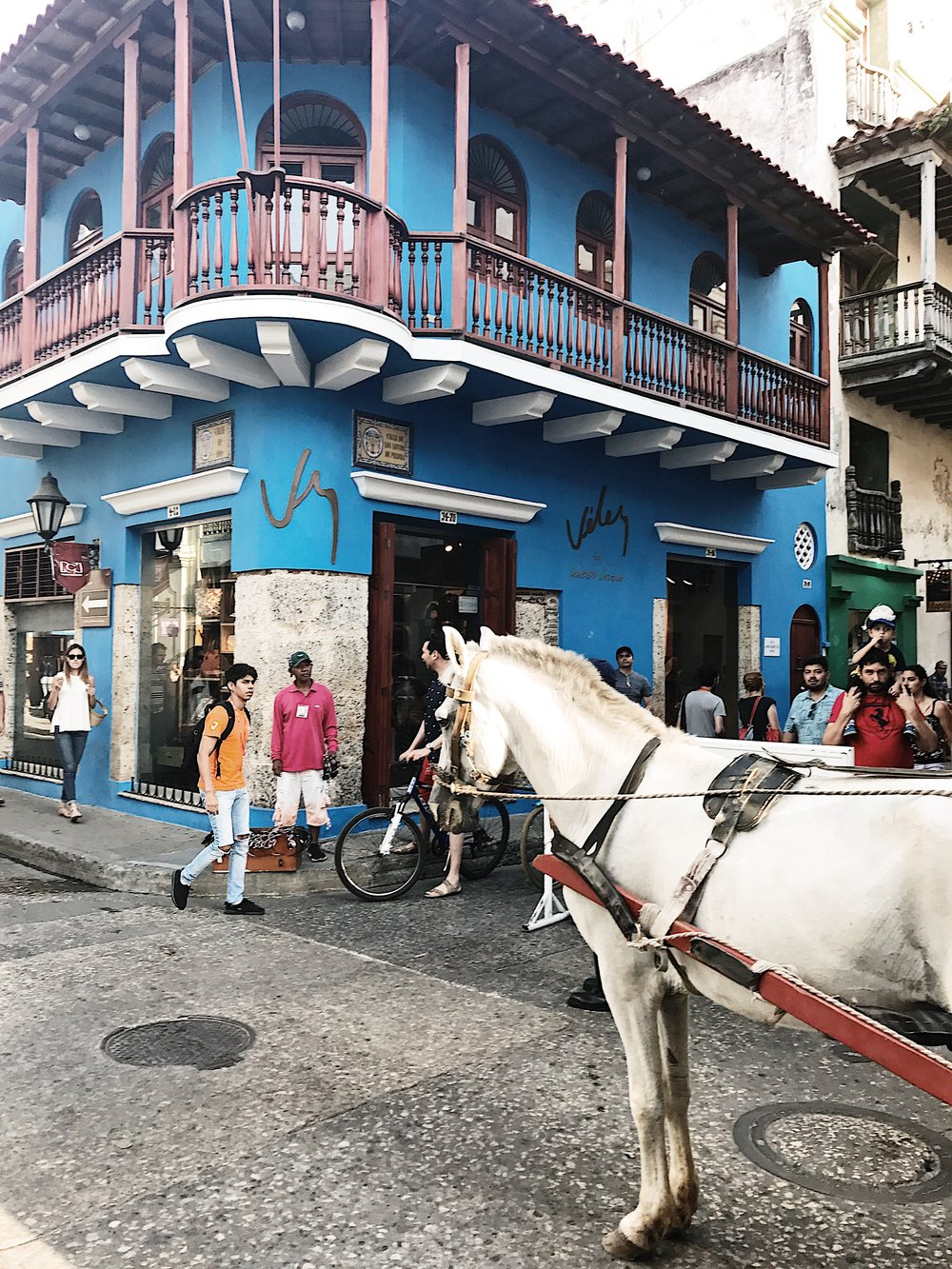 SOMETHING BEACHY- cartagena, colombia