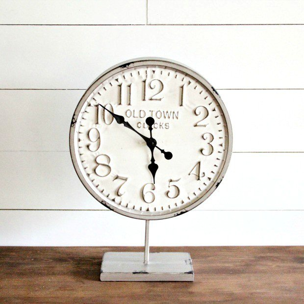 old_town_metal_round_clock_on_stand_1.jpg