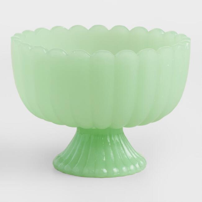 jade footed bowl.jpg