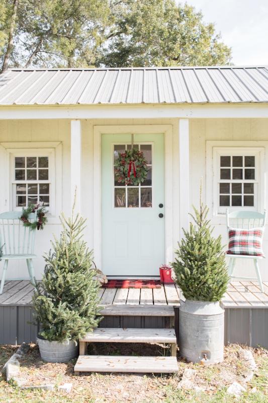 christmasplayhouse2.jpg
