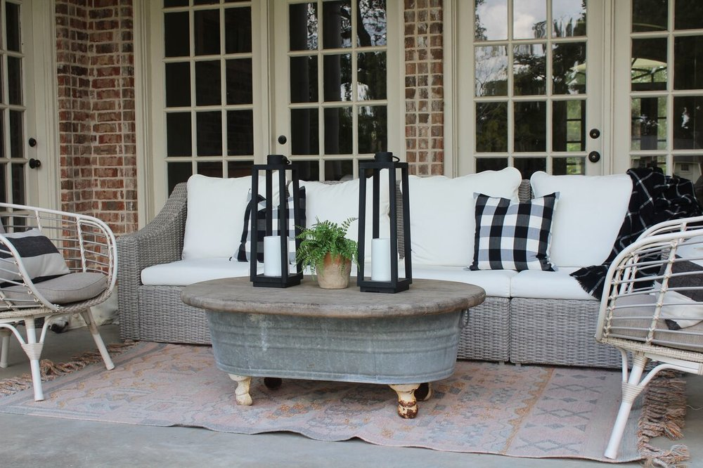 Southern Farmhouse Designs Outdoor Fall Living.jpg