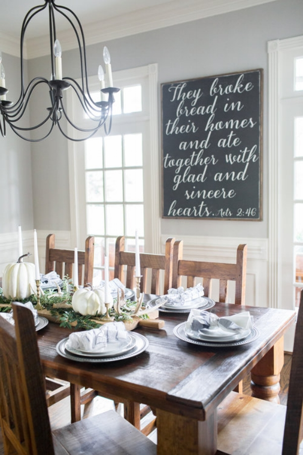 Southern Farmhouse Designs Fall Decor.jpg