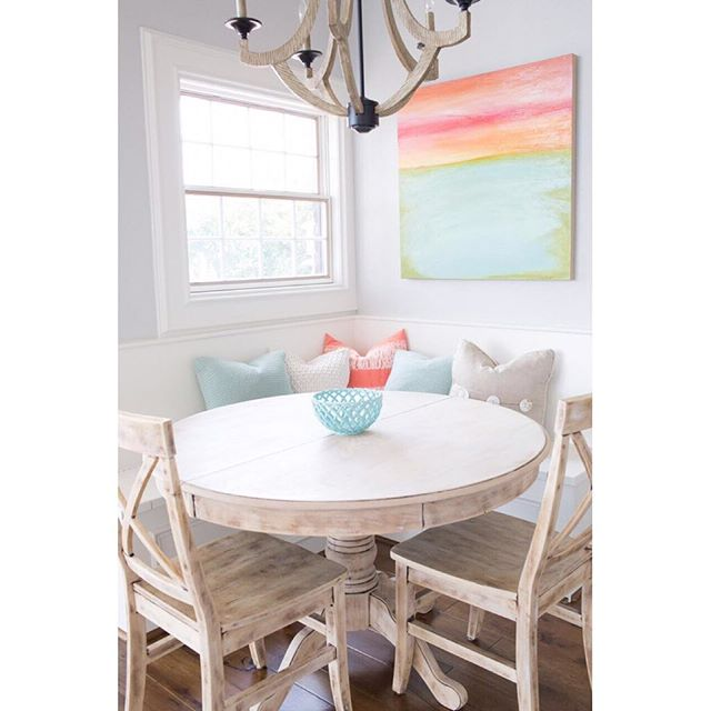 It's been a cold & dreary day here in Houston, but it's nothing compared to what some of our fellow Texans are dealing with. We are praying for our Central & North Texas neighbors who are dealing with flooding rains. Here is a little sunshine to brighten your rainy day.  #moorehouseinteriors #moorehouse #mhi #tomball #houstoninteriordesigner #interiordesigner #homedesigner #traditionalhome #southernhomemag #thatsgoodhousekeeping #SLHomes #mytradhome  #HHstyle #BHGHome #romantichomes #mycountryhome #rshome #thecottagejournal #myhomestyle #thenewsouthern #coastaldesign #coastalinspo #breakfastbench
