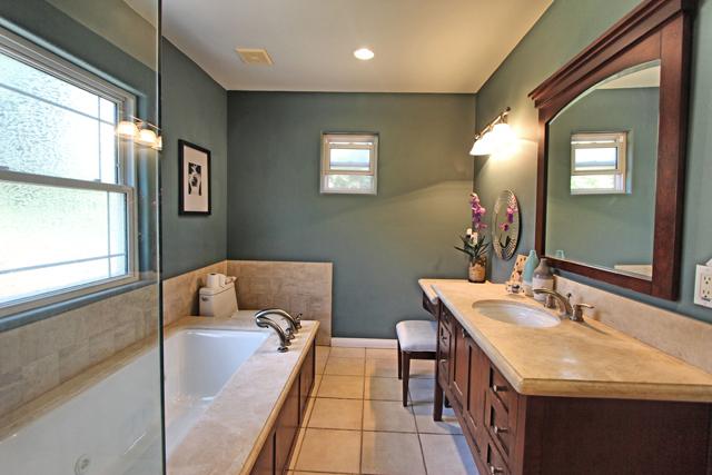 Bath - Master.jpg