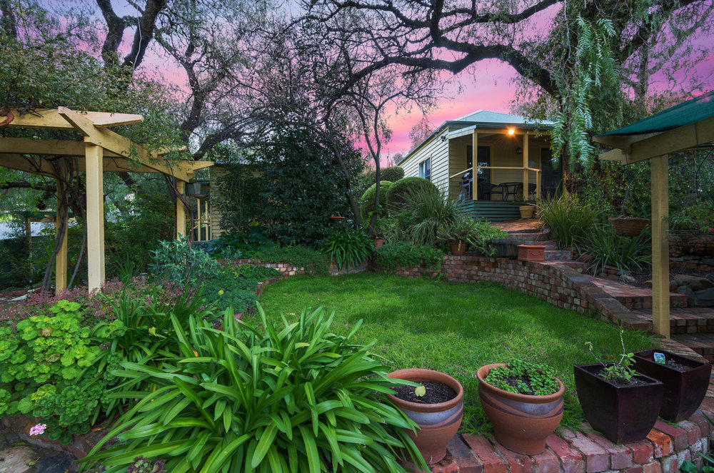 Bendigo Cottages Sunset Impression 2.jpg