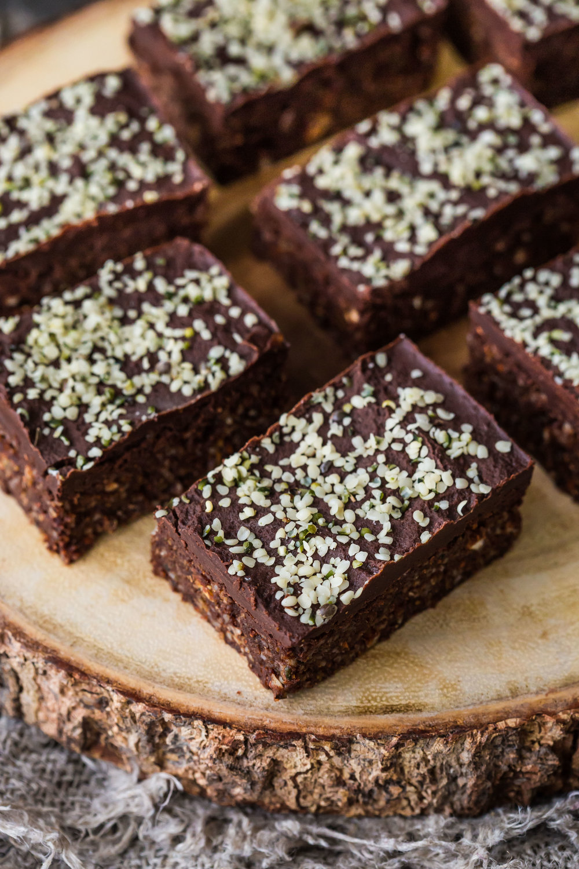 No-Bake Hemp Brownies-3.jpg