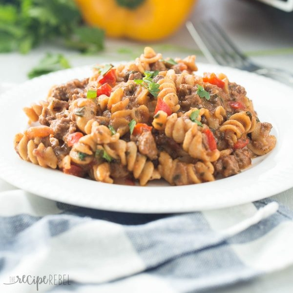 Slow-Cooker-Hamburger-Helper.jpg
