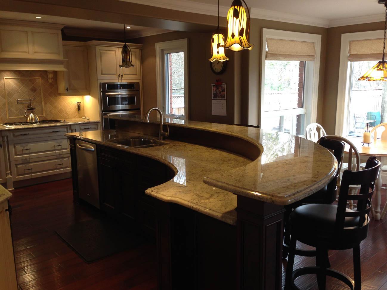 amateur kitchen photograph