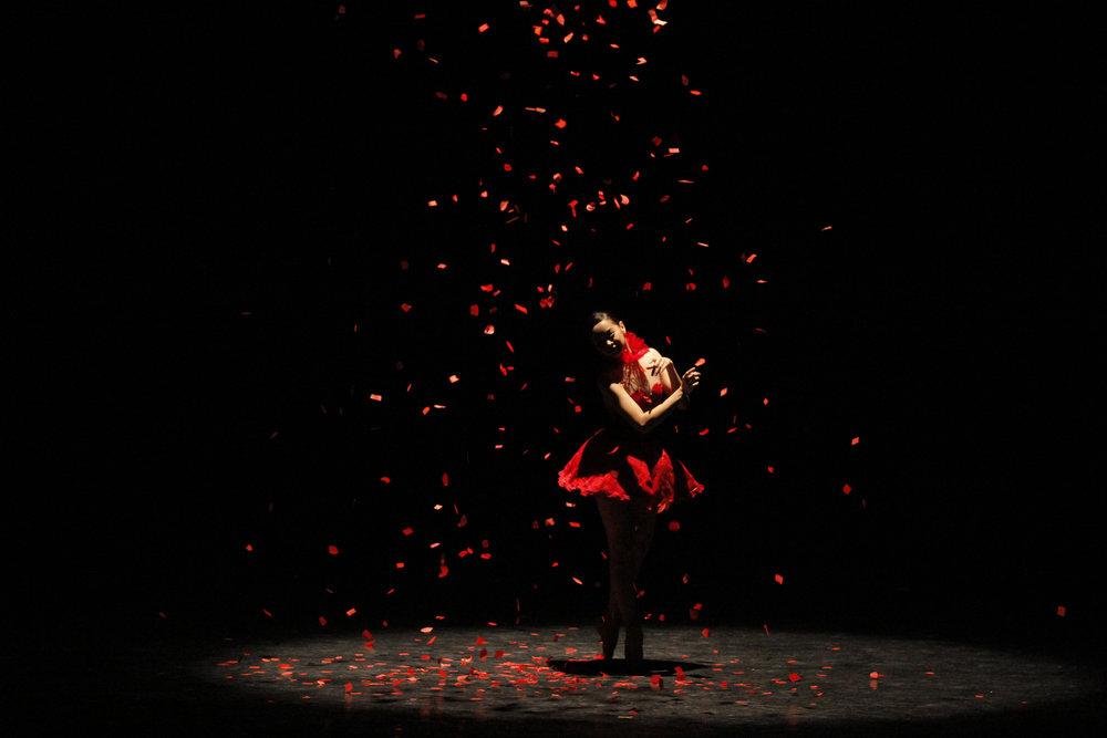 Annabelle Lopez-Ochoa's breathtaking piece,    Bloom   , features Dawna in the lead.
