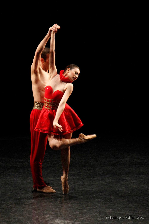 In Annabelle Lopez-Ochoa's contemporary piece,    Bloom   . Photo by Jimmy Villanueva