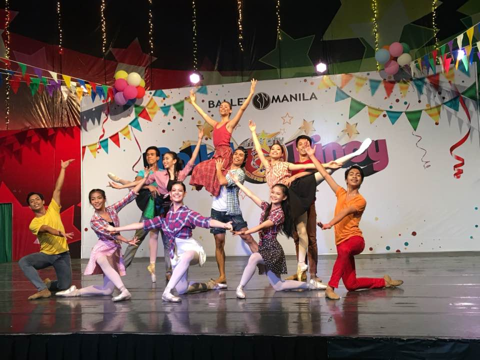 Shaira (front, fourth from left) enjoys being part of    Ballet Pinoy   , a free show that Ballet Manila offers at Star City. Photo from Osias Barroso's Facebook page