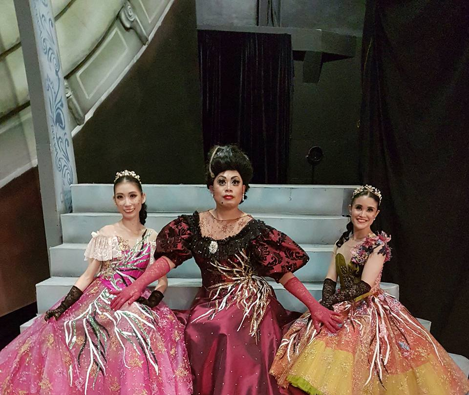 Violet and Tiffany Chiang-Janolo as the wicked stepsisters and Jonathan Janolo as their mom are all set for the ball in Lisa Macuja-Elizalde's    Cinderella   . From Tiffany Chiang-Janolo's Facebook page