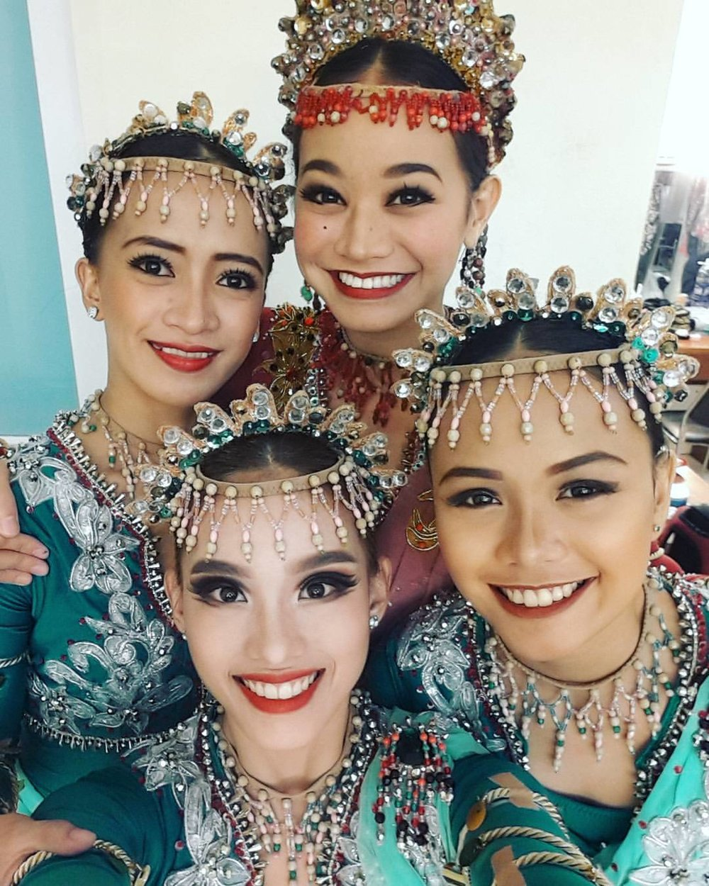 Backstage in Vietnam last June, Jessa joins fellow dancers (clockwise from back left) Dawna Mangahas, Rissa May Camaclang and Joan Emery Sia for a quick snap before their  Sayaw sa Pamlang  number. Photo from Joan Emery Sia's Facebook page