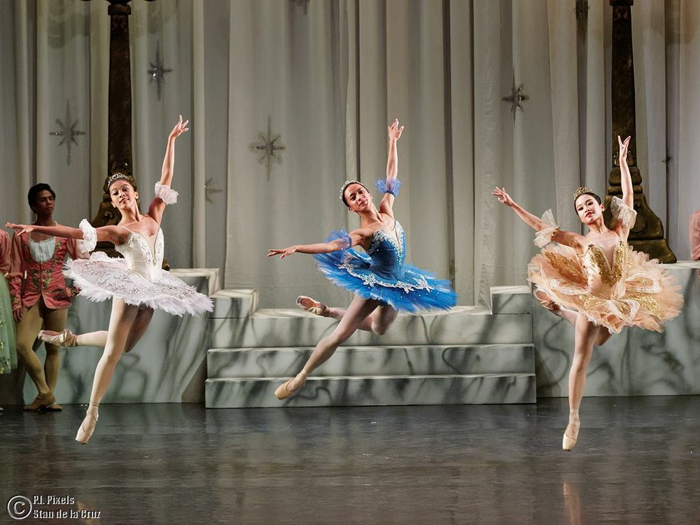 Jessa (center) soars in a number presented during World Ballet Day on October 16, alongside Nicole Barroso (left) and Jasmine Pia Dames. Photo by Stan de la Cruz