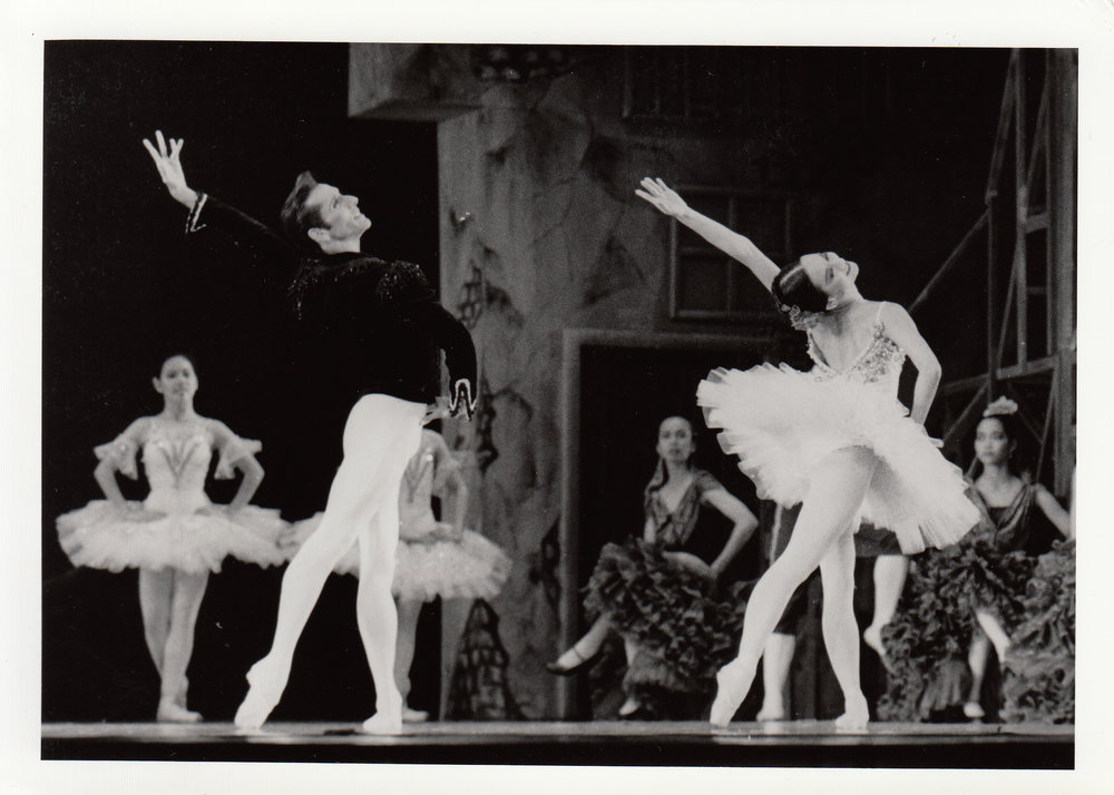 Parrish Maynard of the American Ballet Theater was one of the Basilios in a 1993 performance of Don Quixote. Photo courtesy of the Ballet Manila Archives
