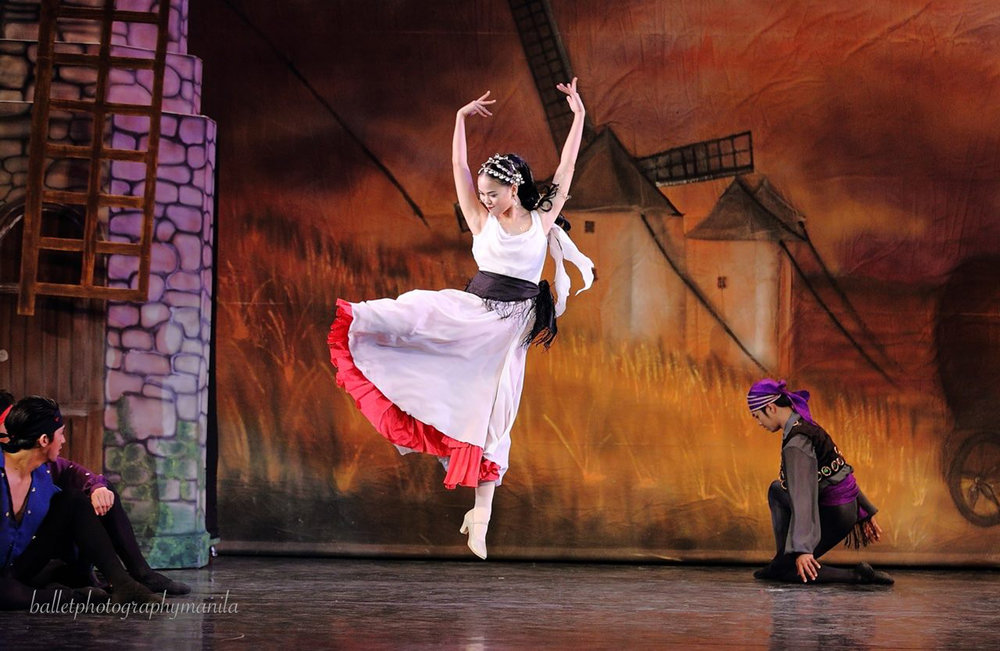Up in the air, doing the Gypsy Dance, also in    Don Quixote    (2017). Photo by Konrad Ong