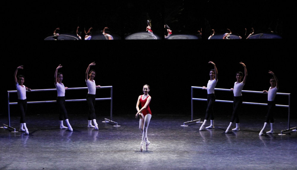 Ecole    shows the progression of a dancer's work.