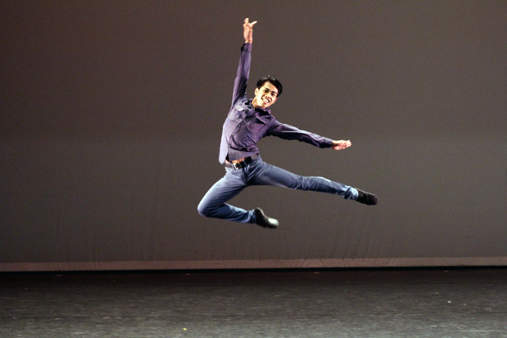 His roots being hip-hop, Elmoe had to struggle when he shifted to ballet.