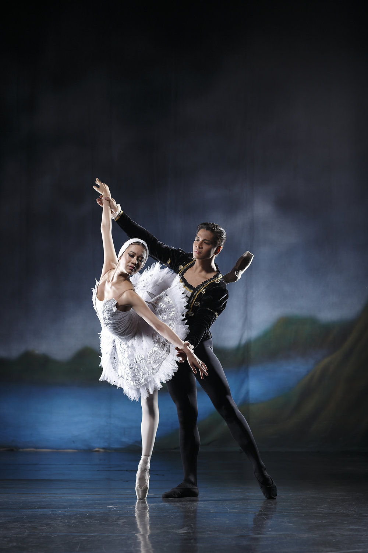 Abigail dances with Mark Sumalo. Photo by Ocs Alvarez