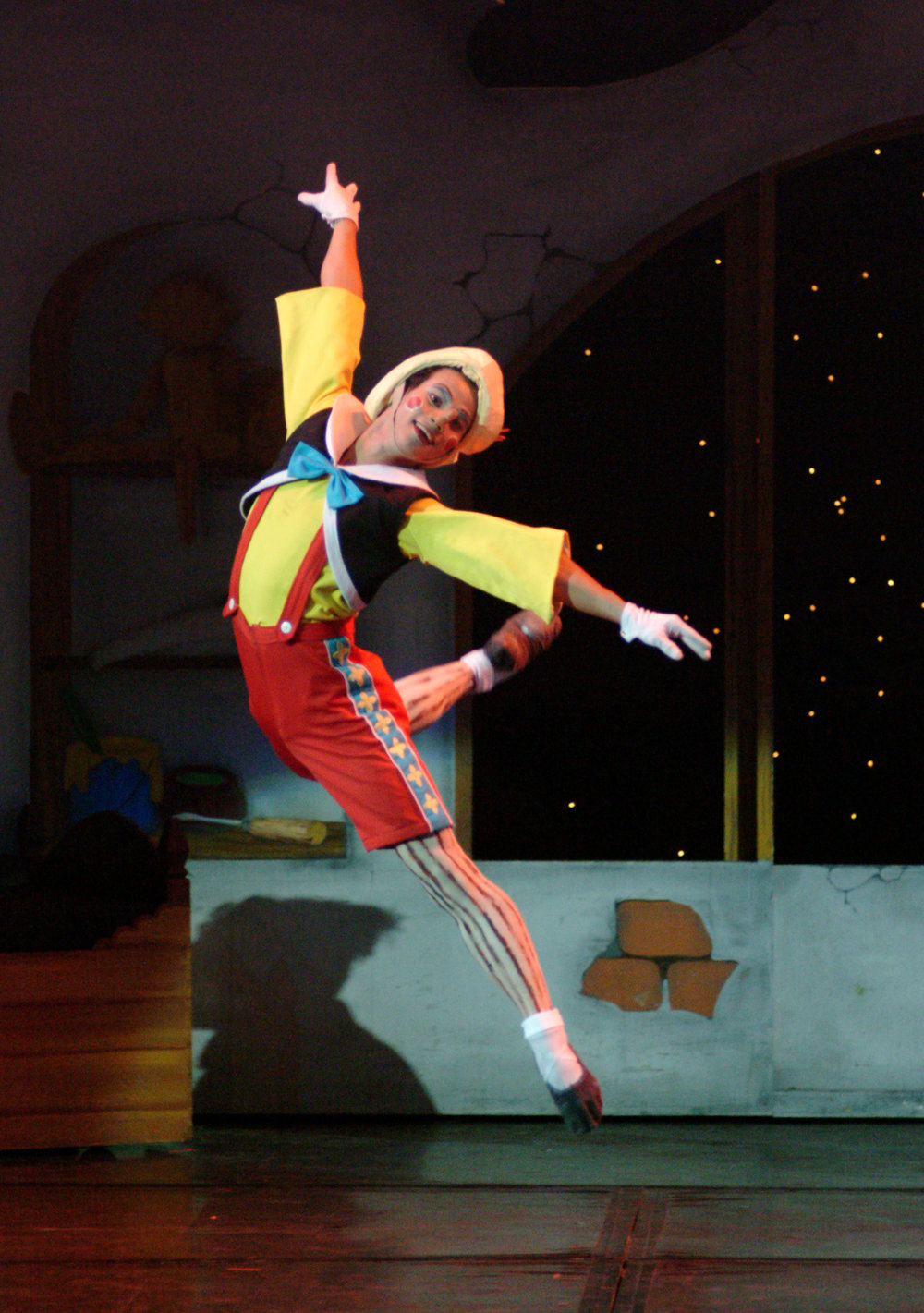 Alvin Santos reprised the lead role which he had first danced two years before. In 2015, he portrayed Pinocchio yet again in its full-length version. Photo by Ocs Alvarez from the Ballet Manila Archives collection