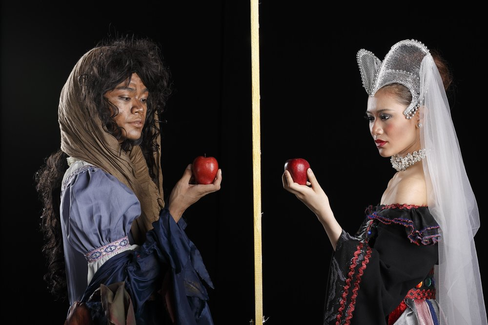 In    Lisa Macuja-Elizalde's Snow White   , Godwin and Abi play alter-egos – the latter as The Evil Queen and the former as The Witch. Photo by Ocs Alvarez