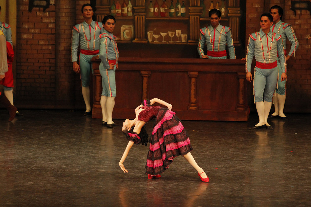 As Mercedes in  Don Quixote , Abigail Oliveiro does one of her astounding back bends. Photo by Ocs Alvarez