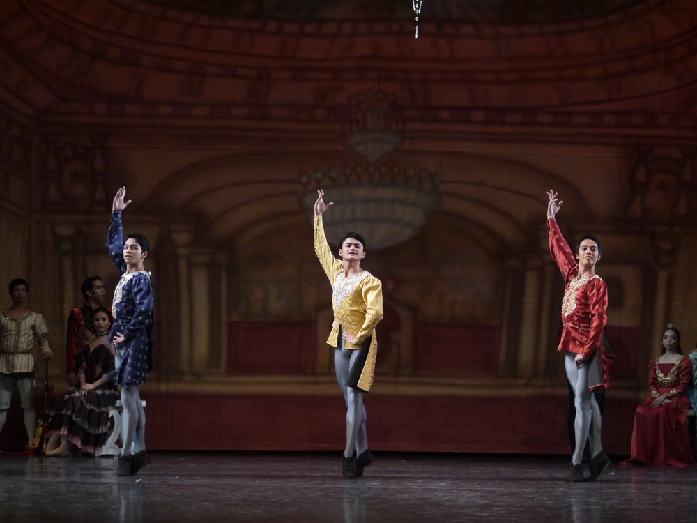 Though dancing contemporary pieces comes naturally to Joshua (center, in    Swan Lake   ), he enjoys classical roles more. Photo by Giselle P. Kasilag