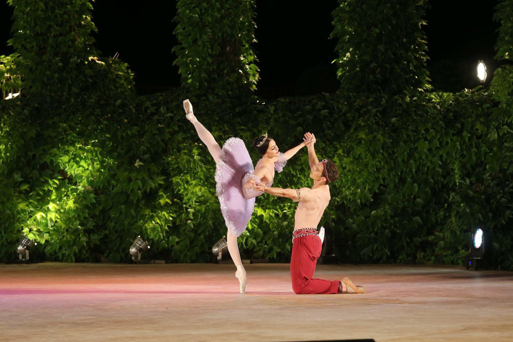 Katherine dances the    Le Corsaire    pas de deux with Joseph Phillips on the unique open-air stage of the Varna IBC. They will dance the full-length version in October for Ballet Manila. Photo courtesy of Varna IBC