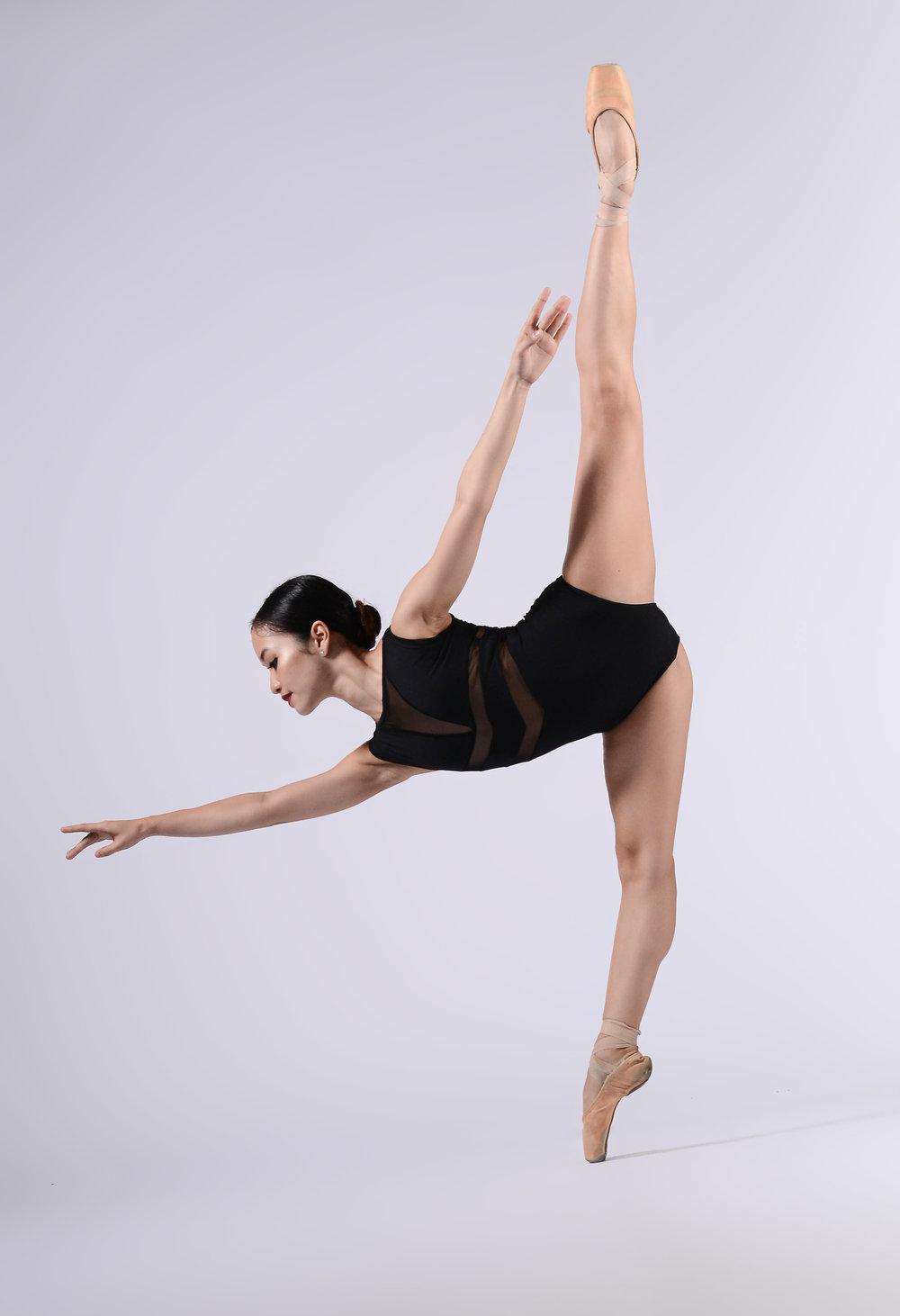 Ballet Dictionary: En Pointe 1 - Ballet Manila Archives