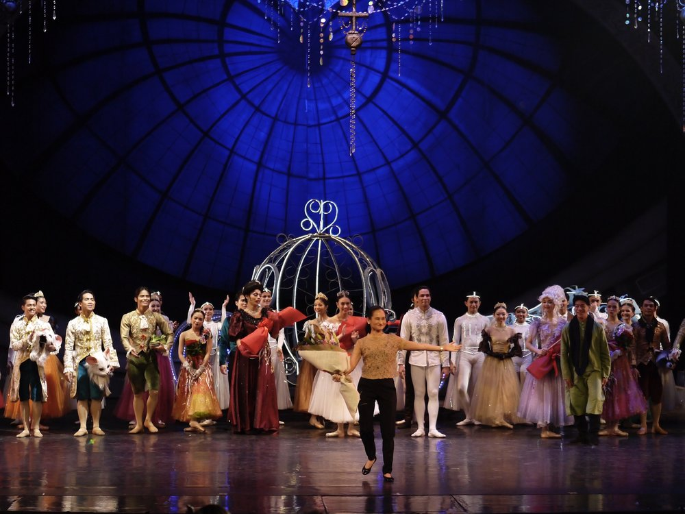 Ballet Manila artistic director Lisa Macuja-Elizalde takes a bow after the recent restaging of her first full-length choreography,  Cinderella . Photo by Giselle P. Kasilag
