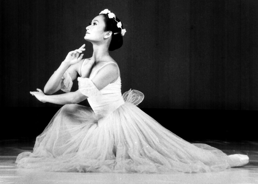 Dancing as a sylph, says prima ballerina Lisa Macuja-Elizalde, requires tilting one's upper body in a specific way, in a combination of arms, head, hands and upper back. Photo from the Ballet Manila Archives collection