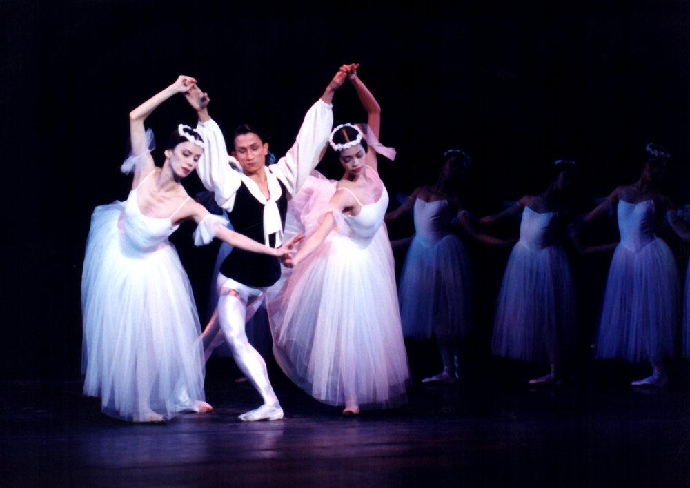Eduardo Espejo dances as the poet and Melanie Motus and Elline Damian as sylphs in Ballet Manila's  Les Sylphides  in 2000. Photo by Ocs Alvarez from the Ballet Manila Archives collection