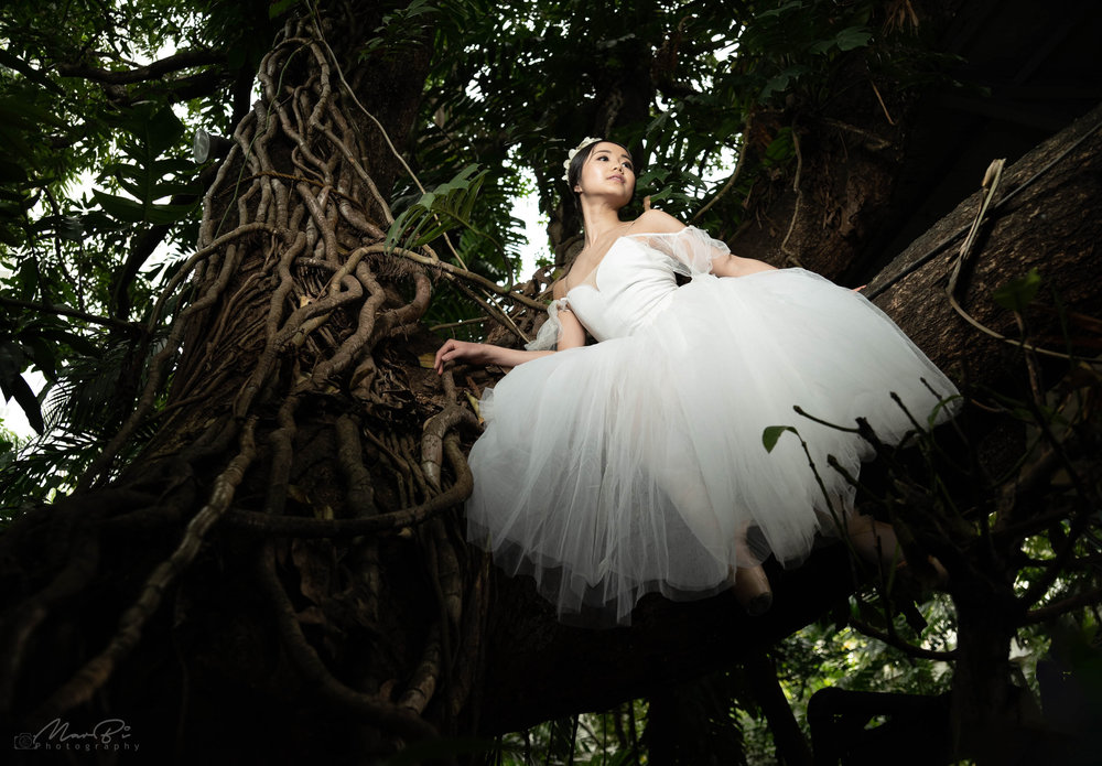 Moving as if one is floating in the air like a fairy is the main goal company artist Sayaka Ishibashi wants to achieve. Photo by MarBi Photography