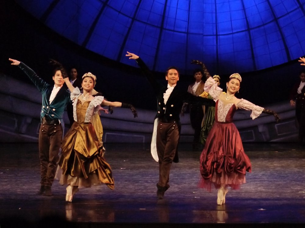 Sayaka (second from left) dances in a scene at the palace in Lisa Macuja-Elizalde's  Cinderella.  Photo by Giselle P. Kasilag