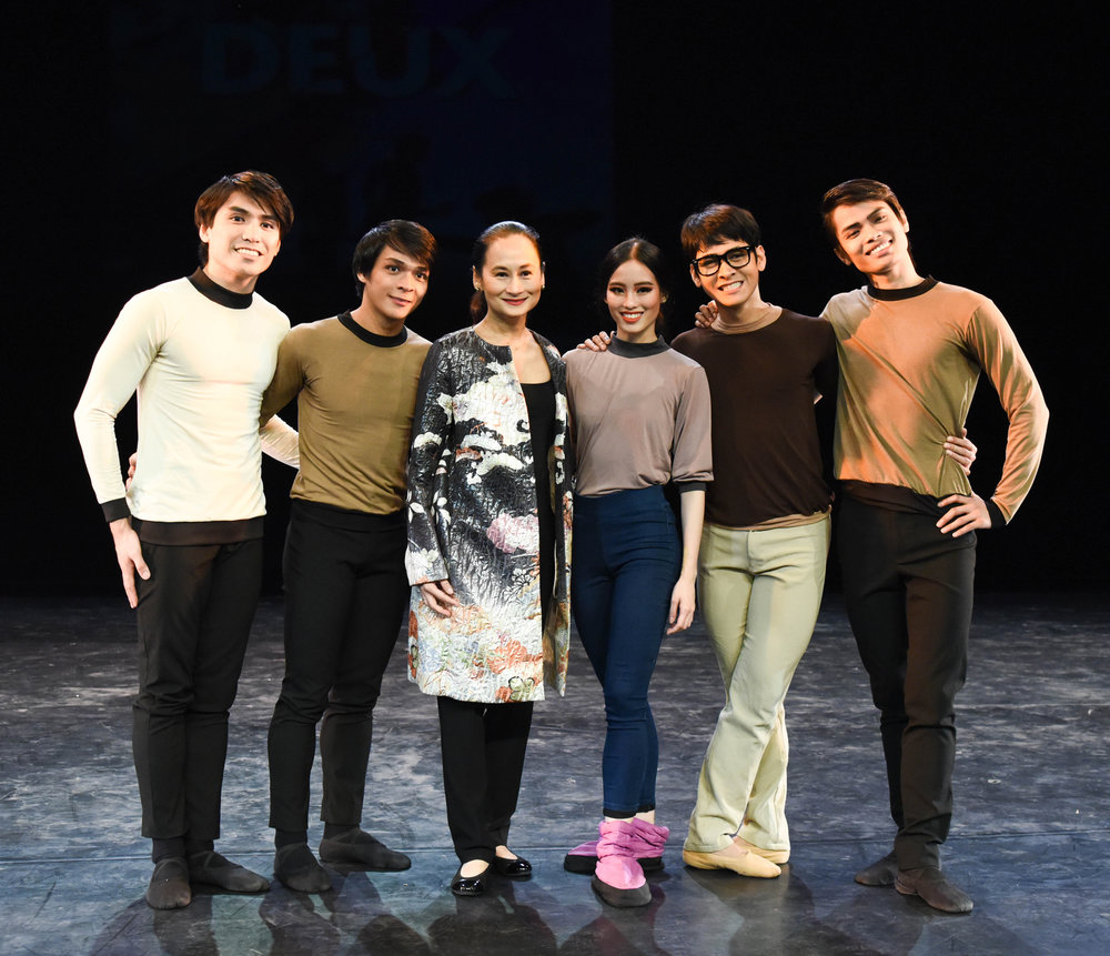 The principal dancers of Ballet Manila - Romeo Peralta, Gerardo Francisco, Joan Emery Sia, Rudy De Dios, and Elpidio Magat - posed for a photo with artistic director and prima ballerina Lisa Macuja-Elizalde at the press launch of  Deux . Photo by MarBi Photography