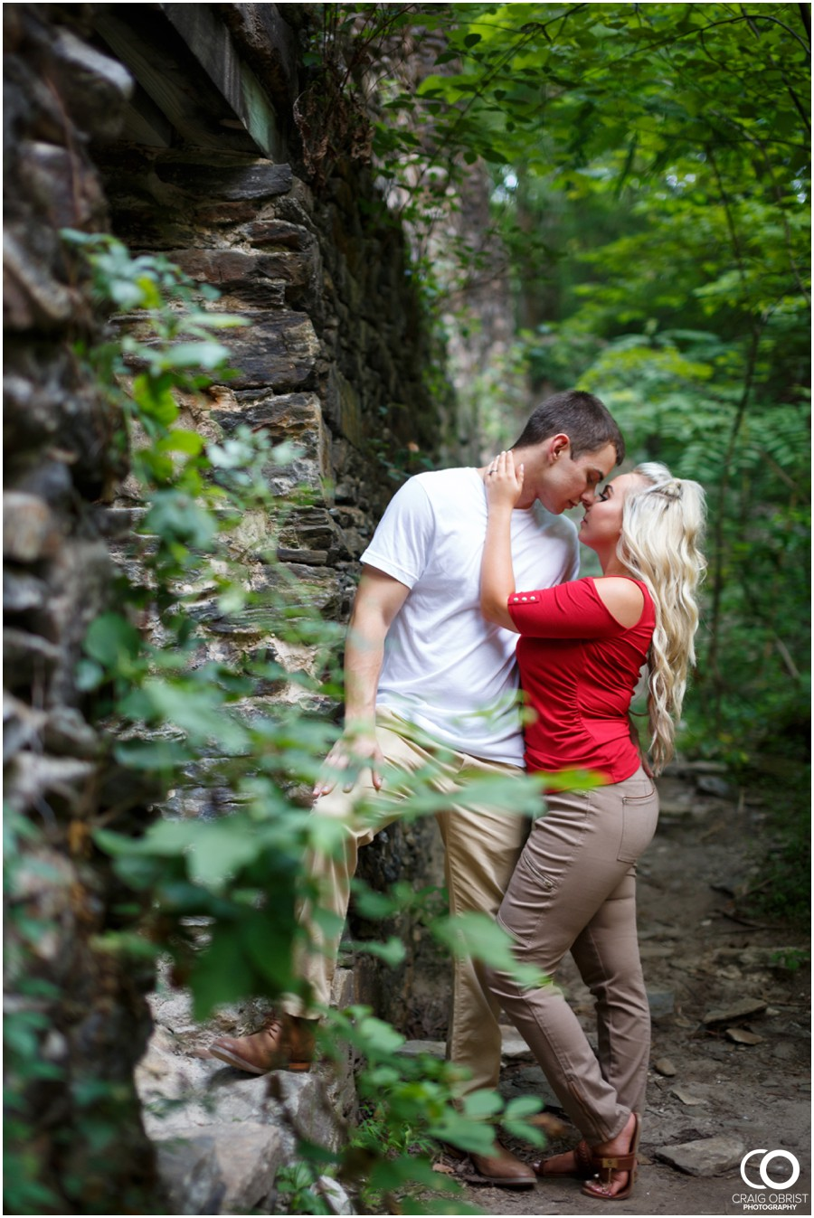 sope-creek-ruins-engagement-portraits-atlanta-georgia_0010.jpg