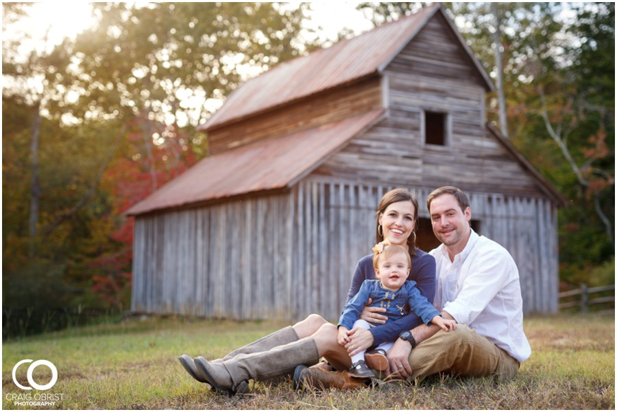 Gwinnett Heritage Center Family Fall Portraits_0011.jpg