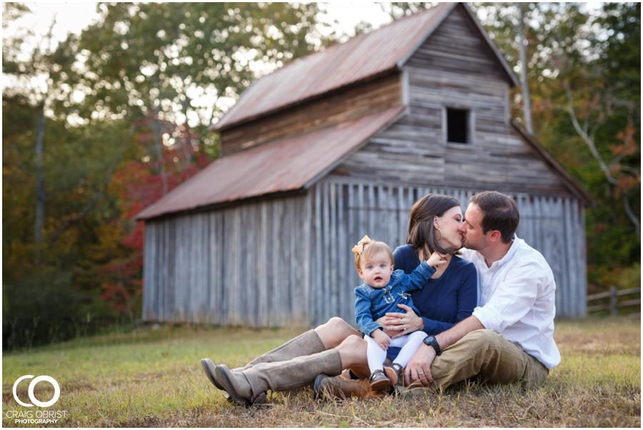 Gwinnett Heritage Center Family Fall Portraits_0012.jpg