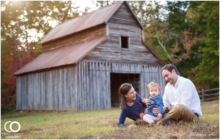 Gwinnett Heritage Center Family Fall Portraits_0013.jpg