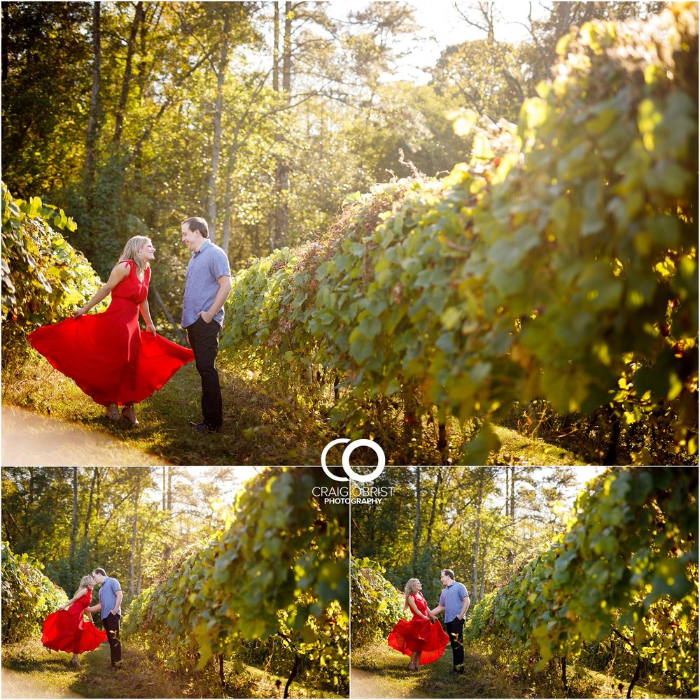 sunflowers fields north georgia engagement portraits wine vineyard_0009.jpg