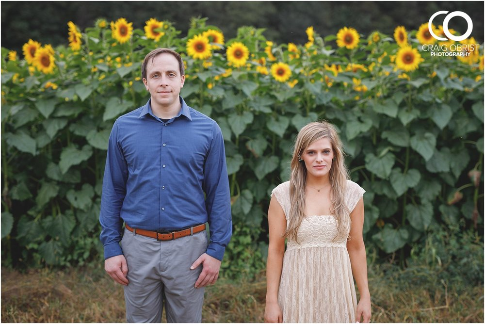 sunflowers fields north georgia engagement portraits wine vineyard_0038.jpg