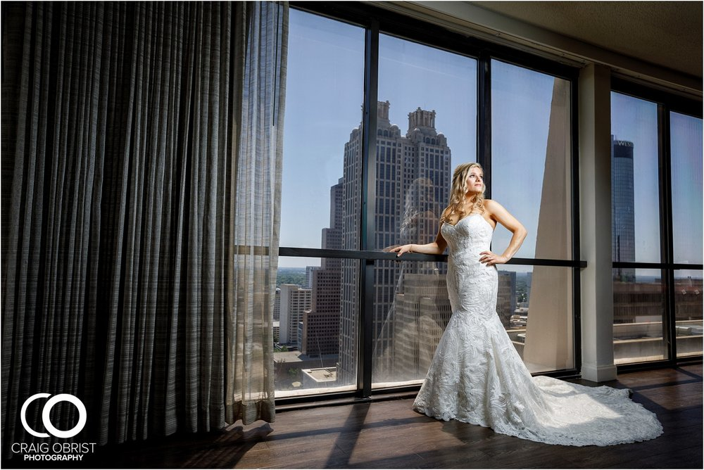 Terminus 330 Marriott Marquis Atlanta Wedding Portraits_0026.jpg