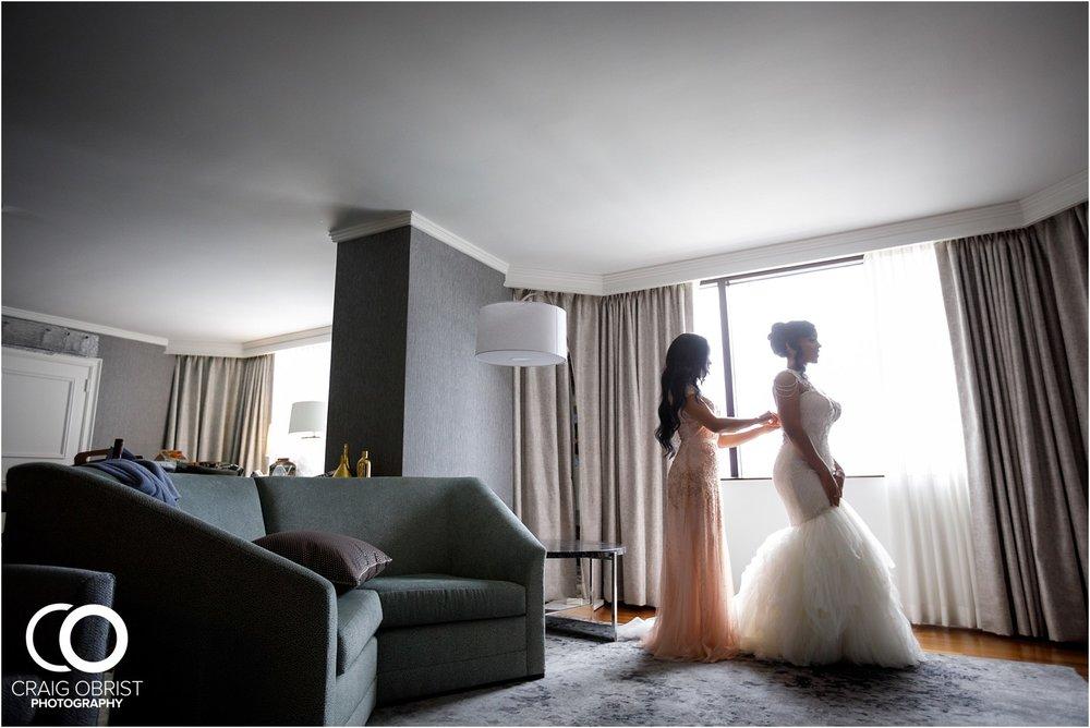 200 Peachtree Southern Exchange Ritz Carlton Wedding Portraits_0015.jpg